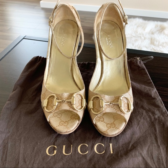 44fbd9b69ff Gucci Shoes - Gucci wedge sandals